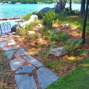 shoreline-garden-walkway